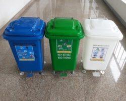 thùng rác đạp chân y tế 60 lít