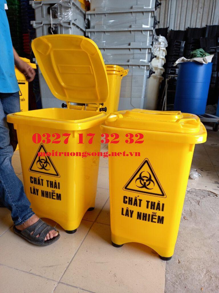 thùng đựng rác y tế 60l