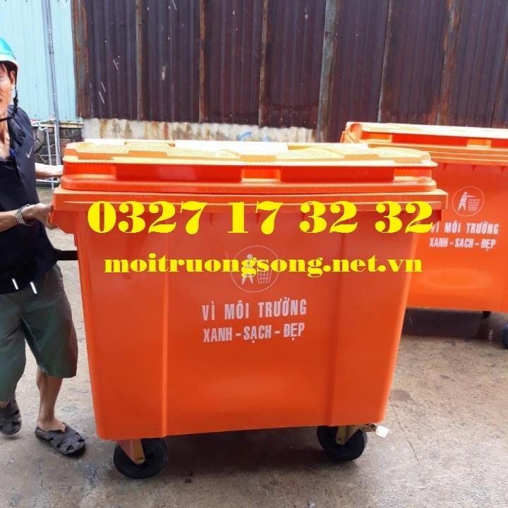 Xe thu gom rác 660L màu cam
