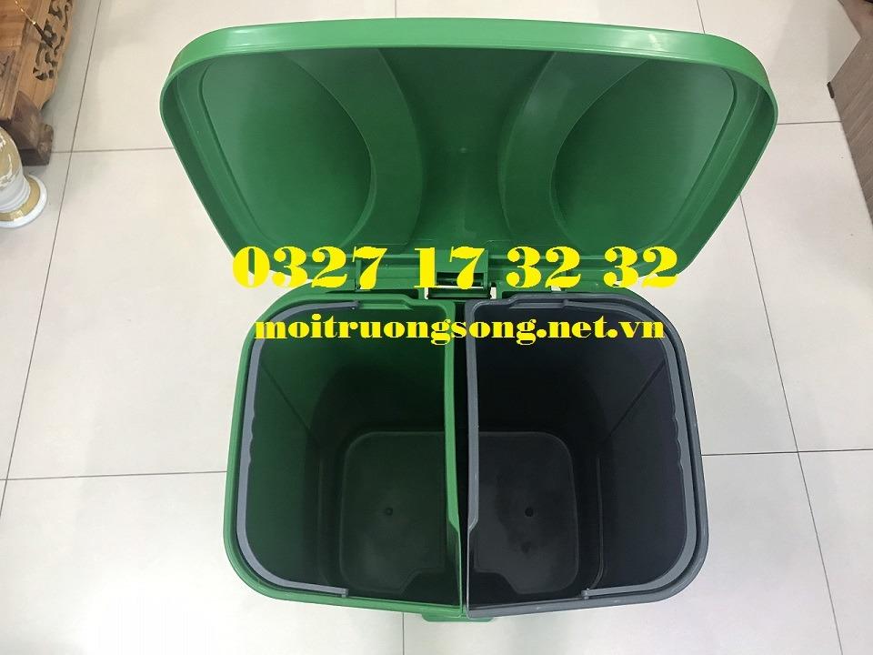 Bên trong thùng rác 2 ngăn 40 lít