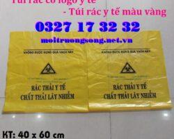 Túi đựng rác có logo y tế