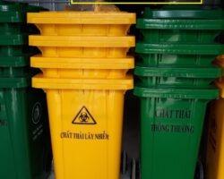 Thùng đựng rác thải y tê