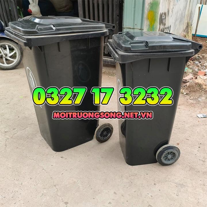 thùng rác 240 lít màu đen và thùng rác 120 lít nắp kín