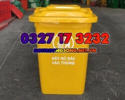 thùng rác 60l có bánh xe màu vàng